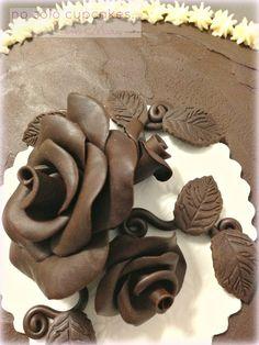 No solo cupcakes... con Mara : CHOCOLATE PLASTICO - UN IMPRESCINDIBLE EN MI RECETARIO!