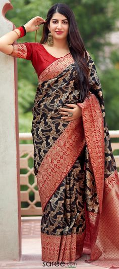 Black Banarasi Silk Traditional Woven Saree with Floral Jaal Beautiful Saree, Beautiful Women, Saree Blouse, Sari, Saree Models, Net Saree, Cute Girl Pic, Art Silk Sarees, Saree Wedding