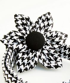 Molly would look pretty in this collar Houndstooth Flower Dog Collar for the girl dog - love the flower.