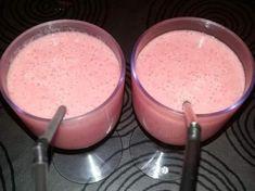 Smoothie de Yogurt con Platano y Fresa por Gyseli Bertoni. La receta de Thermomix<sup>®</sup> se encuentra en la categoría Bebidas y refrescos en www.recetario.es, de Thermomix<sup>®</sup>
