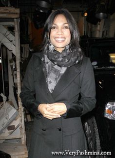 #RosarioDawson Leaves ABC Studios In A Black And White #StarredScarf