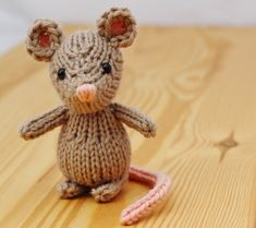 Custom little knitted mouse, small wool knitted stuffed mouse
