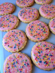 This recipe has been on my mind for a while, even before Whittakers announced their new chocolate block! I kept seeing Hundreds and Thousands biscuits at the supermarket and not buying them becaus… Biscuit Cookies, Biscuit Recipe, Cookie Desserts, Cookie Recipes, Laceys Cookies Recipe, Baby Food Recipes, Baking Recipes, Food Baby, Party Sweets