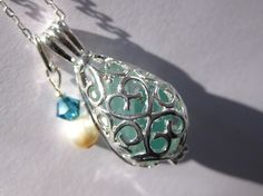 Aqua Seaglass Locket  Beach glass jewelry sea by SamiSeaglass