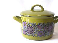 esteri tomula - Google-haku Vintage Kitchenware, Mid Century Design, Kitsch, Flatware, Finland, Cookware, Dinnerware, Tea Pots, Enamel