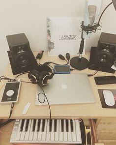 Home Recording Studio Setup, Home Studio Setup, Music Studio Room, Dream Studio, Studio Interior, Studio Ideas, Home Music Rooms, Attic Bedroom Designs, Visualising