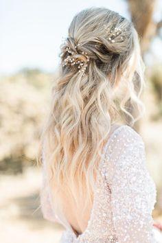 Soft curls with beaded halo Photo: @katiejphoto Wedding Hair Down, Wedding Day, Down Hairstyles, Wedding Hairstyles, Soft Curls, Dance The Night Away, Princess Wedding, Bridesmaid Hair, Bridal Hair