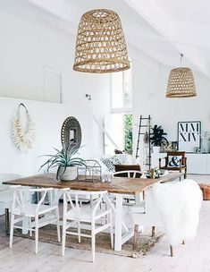 BoHo Vibe Today I am channeling my inner bohemian self with this dreamy boho inspiration in shades of white! To capture a little of the boho spirit at home hang up a dream catcher or a juju hat