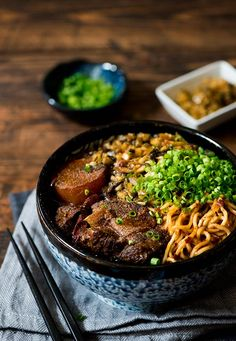 Flavor packed beef noodle soup made from beef stock of 3 types of meat plus a concentrated beef sauce. Top with melt in the mouth beef, noodles & pickled mustard green.