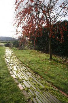 Slate and reclaimed brick garden path Brick Garden, Garden Paths, Stepping Stones, Country Roads, Bricks, Slate, Outdoor Decor, Stair Risers, Chalkboard