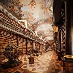 10 Most Spectacular Libraries