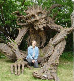 We saw baby Groot, now we find Groot as an old man. sweet wood carving :) tree comes to life :)