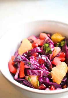 Red Cabbage Detox Salad  #Vegan #Vegetarian #GlutenFree #Fruit #Vegetables #Side #Salad #HealthyMeals #HealthyDinner #VegetarianLunch #Detox #Rainbow