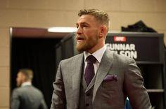 https://www.facebook.com/UFC/photos/ms.c.eJxl0EEOxDAIQ9EbjbBpgNz~