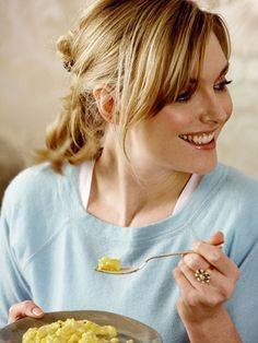 Sophie Dahl Hairdos, Hairstyles, Sophie Dahl, Dhal, Nigella Lawson, Beautiful Curves, Famous Women, Downton Abbey, Her Style