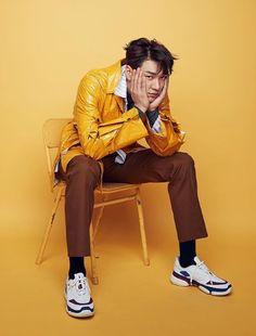 Kim Young Kwang For ELLE Korea - Kim Young-kwang Photo (42730151) - Fanpop Korean Men, Asian Men, Korean Actors, Asian Guys, Kim Young Kwang, Park Hae Jin, Lee Dong Wook, Male Magazine, Noblesse