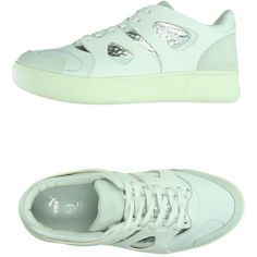 Mcq Puma Low-tops & Trainers (£92) ❤ liked on Polyvore featuring shoes, sneakers, white, white leather sneakers, low profile sneakers, white flat shoes, puma trainers and flat sneakers