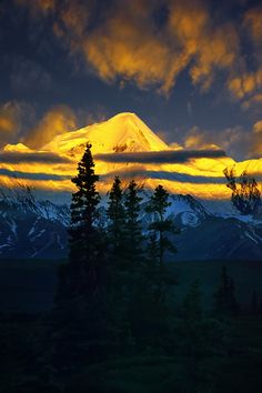 Alaska Alpenglow by Carlos Rojas, on 500px.