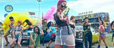 """Kondzilla dirige o clipe de """"Tombei"""" da cantora de funk Karol Conká. A super produção impressiona pela caprichada edição e fotografia. Além disso, a curitibana Conká cria um desfile de batidas funk alucinante e hipnotizante, prova de que o funk carioca pode ir muito além.Destaque para o visual criativo do elenco. """"Tombei"""", o single daKarol…"""