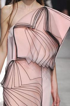 patternprints journal: PRINTS, PATTERNS, TRIMMINGS AND SURFACE EFFECTS FROM LONDON FASHION WEEK (A/W 14/15 WOMENSWEAR) / 3