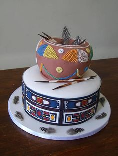 60 Beautiful African Wedding Cake You Will Love for Your Inspirations - VIs-Wed Traditional Wedding Decor, African Traditional Wedding, Traditional Cakes, Pretty Cakes, Beautiful Cakes, Amazing Cakes, Beaded Wedding Cake, Zulu Wedding, Yoruba Wedding