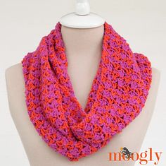 Two easy to memorize rows to make a pretty scarf or cowl (to your own custom length)!