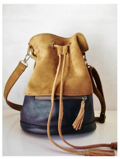 p i n t e r s s // carbonyl silver - Handbags Backpack Bags, Leather Backpack, Leather Purses, Leather Handbags, Leather Workshop, Boho Bags, Leather Bags Handmade, Beautiful Bags, My Bags