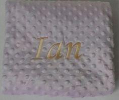 La combinación de colores de la manta de Ian es de lo más original