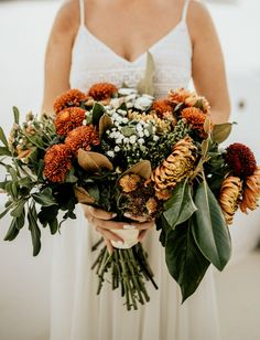 Top 9 Fall Wedding Color Schemes for wedding bouquet with greenery for vintage wedding theme Fall Wedding Centerpieces, Fall Wedding Flowers, Fall Wedding Colors, Wedding Flower Arrangements, Green Wedding Shoes, Autumn Wedding, Floral Wedding, Wedding Bouquets, Wedding Day