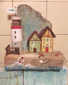 Вот такая получилась #ключница осталось ввинтить крючки, только нужно определиться сколько 23×27см. #дрифтвуд ,гвоздики,проволока,сетка,янтарики и ракушки балтийские #дрифтвуд#дрифтвударт#ключница#балтийскоеморе#калининград#светлогорск#зеленоградск#driftwood#driftwoodart#balticsea#housekeeper#rauschen#kranz
