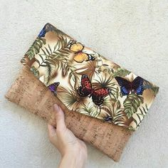 Your place to buy and sell all things handmade : Cork clutch bag envelope clutch letter butterflies cotton handmade bag clutch purse etsy Diy Bags Purses, Cute Purses, Purses And Handbags, Cork Fabric, Fabric Bags, Diy Clutch, Clutch Purse, Cork Purse, Creation Couture