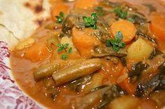 Domoda (Gambisches Nationalgericht) mit Gemüse der Saison