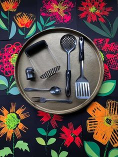 Fall Art Projects, Projects For Kids, Flower Prints, Flower Art, Spider Art, Rabbit Art, Art N Craft, Butterfly Crafts, Bear Art