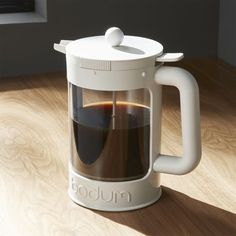 Cold brewing coffee