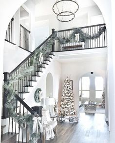 Beautiful Homes of Instagram: Christmas Special - Home Bunch - An Interior Design & Luxury Homes Blog
