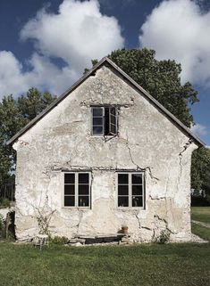 Step inside a beautifully simple Swedish island retreat on Gotland. Beautiful Homes, Beautiful Places, Beautiful Pictures, Cottage, Stone Houses, Scandinavian Home, Step Inside, Home Studio, House Design