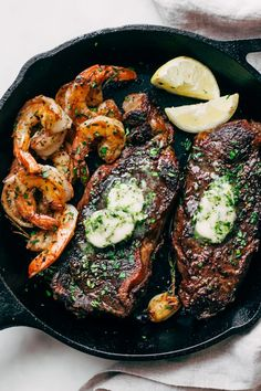 Garlic Butter Skillet Steak and Shrimp - tender cooked steak and juicy shrimp all smeared with homemade garlic butter. So easy to make and perfect for date night or even a weeknight dinner! Seared Salmon Recipes, Pan Fried Salmon, Pan Seared Salmon, Shrimp Recipes, Baked Salmon, Pfannengebratenes Steak, Skillet Steak, Steak Fajitas, Skillet Chicken
