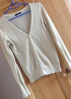 Kup mój przedmiot na #vintedpl http://www.vinted.pl/damska-odziez/kardigany/11249161-sweter-kardigan-ze-zlota-nitka-cubus