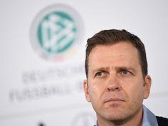 Wie geht es nach der Länderspielabsage weiter? Der anstehende Bundesliga-Spieltag soll laut DFL wie geplant durchgeführt werden, einige Klubs erhöhten aber ihre Sicherheitsvorkehrungen. Inzwischen meldeten sich auch der DFB-Sicherheitsbeauftragter, der DFB-Sportpsychologe, Teammanager Oliver Bierhoff und die Kanzlerin zu Wort. Hertha sagte eine Fan-Aktion ab. Die aktuelle Entwicklung im Ticker...