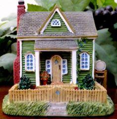 1999 Liberty Falls Hillside Farm House Miniature Figurine Decor AH182 with Box