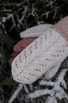 Posts about Hilda mittens written by Kristi Knitting Accessories, Mittens, Free Pattern, Projects To Try, Posts, Crochet, How To Make, Handmade, Fingerless Mitts