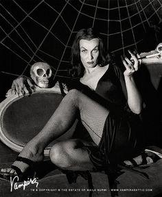 1954 on The Vampira Show Set.