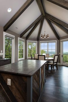 Kitchen and breakfast room of The Laurelwood home plan #5024.