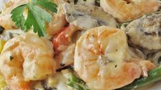 Tried and loved it with Jenny J.dbl it! Cooked shrimp and sliced fresh mushrooms are bathed in sauteed garlic, cream cheese, fresh parsley and a dash of basil. Toss with hot linguini and serve as an elegant appetizer or main dish. Herb Sauce Recipe, Sauce Recipes, Cooking Recipes, Shrimp Recipes, Fish Recipes, Pasta Recipies, Creamy Shrimp Pasta, Cooked Shrimp, Creamy Garlic Sauce