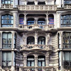 Casa Montero (1904). Edificio residencial de estilo modernista