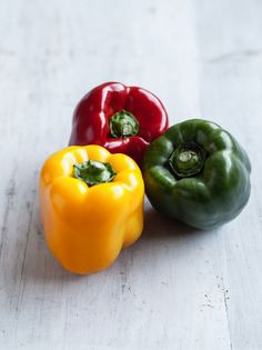 photography vegetables healthy poivron ideas rouge jaune food 2019 vert for 35 le Photography food vegetables healthy 35 ideas for 2019 Le poivron rouge Le poivron jaune Le poivroYou can find Vegetables photography and more on our website Fruits And Vegetables Pictures, Vegetable Pictures, Fruits And Veggies, Fruits Basket, Fruits Pictures, Fresh Vegetables, Vegetables Photography, Fruit Photography, Fruit And Veg