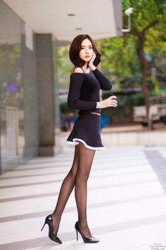 The Effective Pictures We Offer You About east Asian Fashion A quality picture can tell you many things. You can find the most beautiful pictures that can be presented to you about rich Asian Fashion Beautiful Asian Women, Beautiful Legs, Photo Glamour, Mode Kpop, Cute Asian Girls, Sexy Stockings, Asian Fashion, Sexy Legs, Sexy Outfits