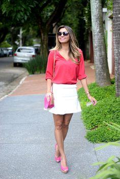 Look do Dia saia branca e camisa rosa