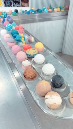 retail | this design is just pleasing and easy to look out. if you have a specific color you want this also works perfect. Lush Store, Spa Store, Lush Aesthetic, Bath Booms, Bakery Store, Homemade Bath Bombs, Lush Bath Bombs, Lush Cosmetics, Cosmetic Shop