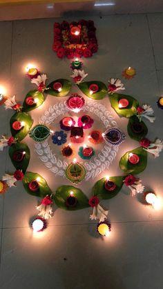Diwali home decor ideas Rangoli Designs Flower, Small Rangoli Design, Rangoli Border Designs, Colorful Rangoli Designs, Rangoli Designs Diwali, Rangoli Designs Images, Flower Rangoli, Beautiful Rangoli Designs, Diwali Rangoli
